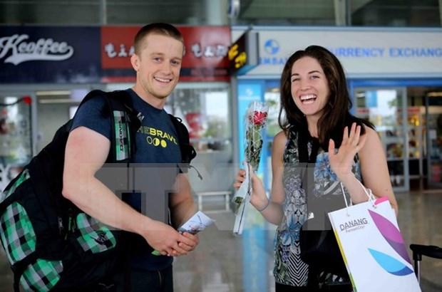 Proponen prorrogar a cinco anos exencion de visado a visitantes occidentales hinh anh 1