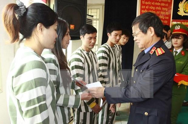 Hanoi concede amnistia a decenas de presos hinh anh 1