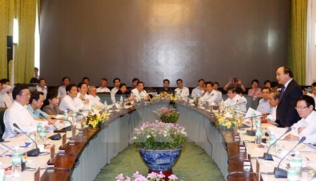 Premier preside reunion gubernamental para abordar peticiones de empresarios hinh anh 1