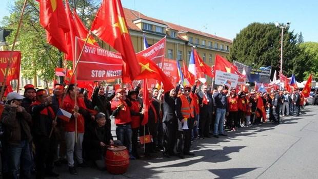 Prensa checa publica sobre protesta vietnamita contra actos chinos en Mar del Este hinh anh 1
