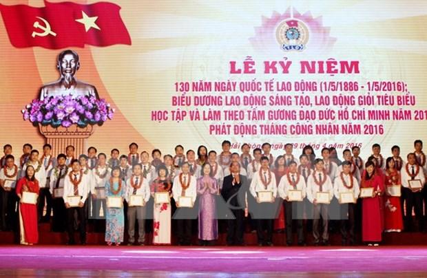Conmemoran aniversario 130 del Dia Internacional de trabajo en Hanoi hinh anh 1