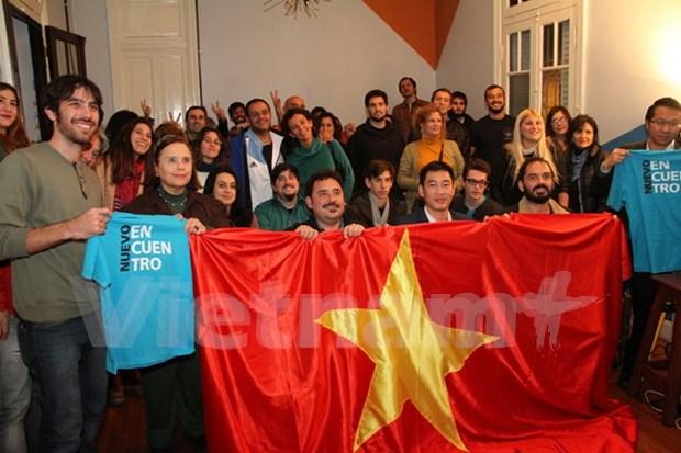 Amigos argentinos conmemoran Dia de la Reunificacion Nacional hinh anh 1