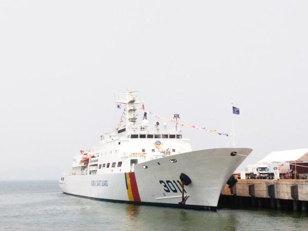 Arriba a Vietnam buque de entrenamiento de Sudcorea hinh anh 1
