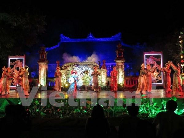 Deleitan al publico melodias de musica y danza real de Vietnam hinh anh 1