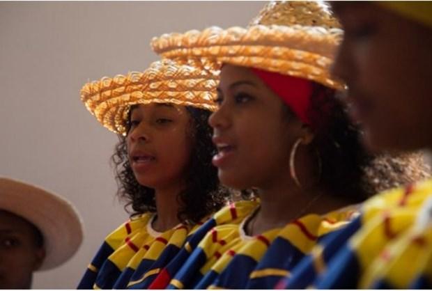 Velada musical de Colombia ameniza noche de Hanoi hinh anh 1