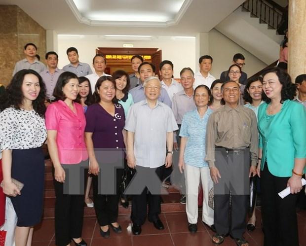 Maximo lider partidista mantiene contacto preelectoral con votantes de Hanoi hinh anh 1