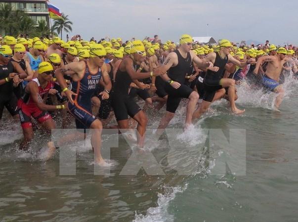 En Da Nang prueba de triatlon VNG IRONMAN 70.3, la mas esperada de Asia hinh anh 1