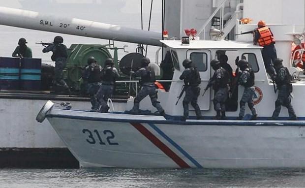Indonesia rescata un barco secuestrado por piratas hinh anh 1