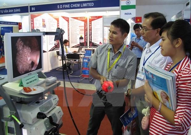 Inauguran exposicion internacional medico-farmaceutica Vietnam 2016 hinh anh 1