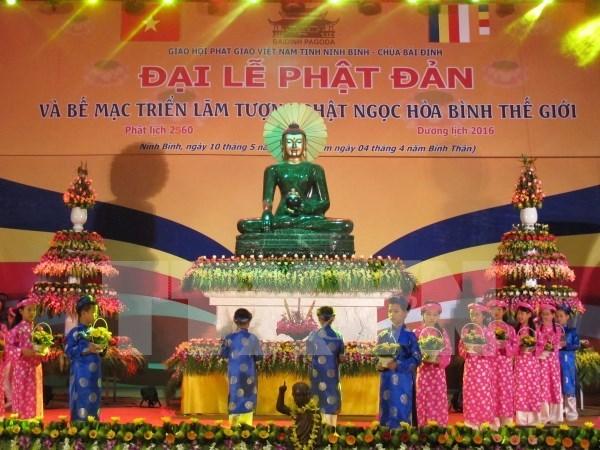 Llaman a comunidad religiosa a fomentar unidad nacional en ocasion de Vesak hinh anh 1