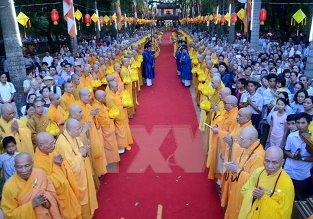 Congratulan a destacados dignatarios en ocasion del gran Fiesta Budista 2016 hinh anh 1