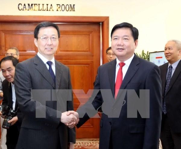 Vicepremier vietnamita recibe al secretario del Comite Partidista de Shanghai hinh anh 1