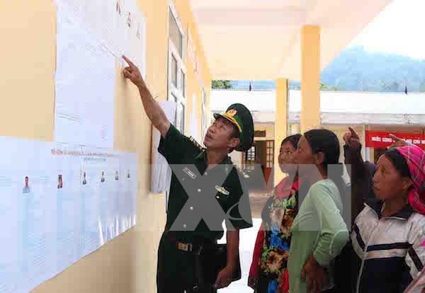 Realizan votaciones tempranas en comunas fronterizas de Lai Chau hinh anh 1