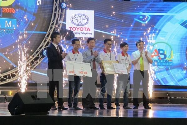 Universidad Lac Hong se proclama campeon de Robocon Vietnam 2016 hinh anh 1