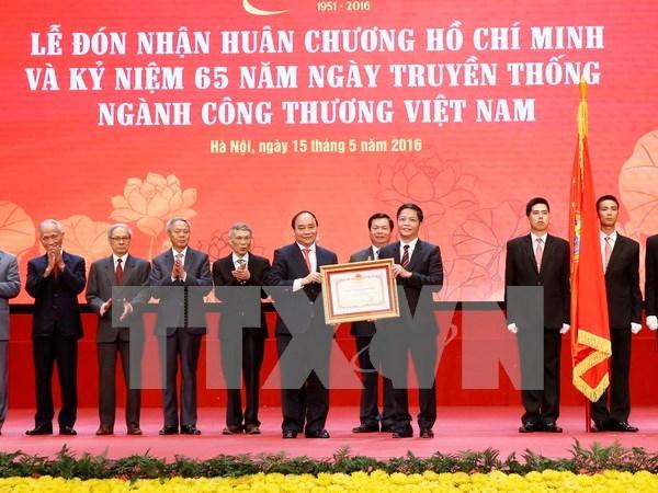Premier vietnamita exige institucionalizar compromisos de integracion internacional hinh anh 1