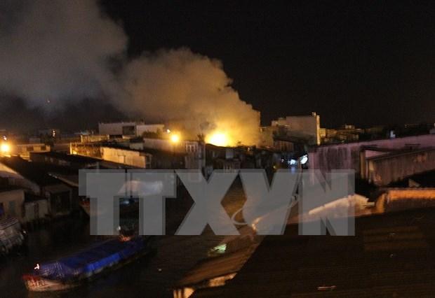 Incendio en mercado de vietnamitas en Laos hinh anh 1
