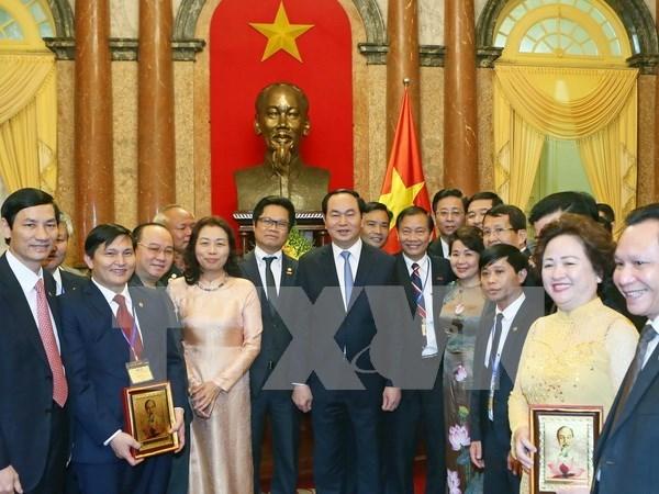 Presidente de Vietnam exhorta a empresariado a seguir ejemplo moral de Ho Chi Minh hinh anh 1
