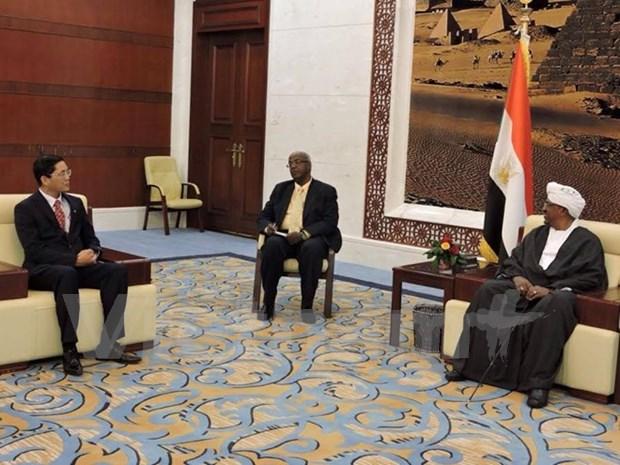 Presidente sudanes propone ampliar lazos con Vietnam en agricultura e industria hinh anh 1
