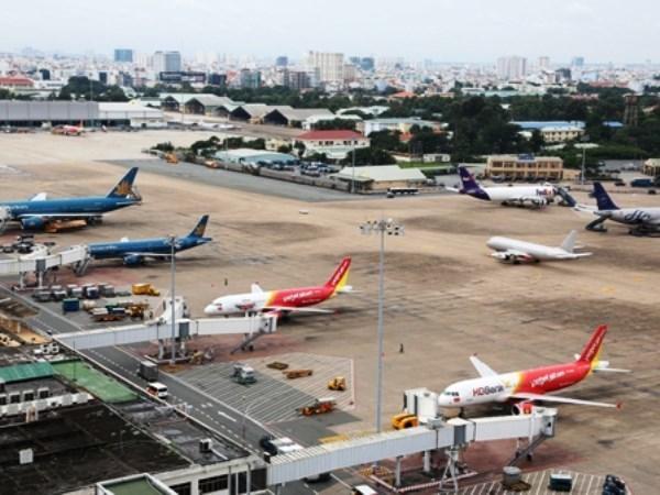 Rapido crecimiento crea presiones sobre sector aereo de Vietnam hinh anh 1