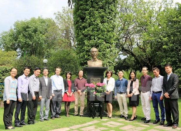 Rinden tributo en Mexico al presidente Ho Chi Minh en ocasion de su natalicio hinh anh 1