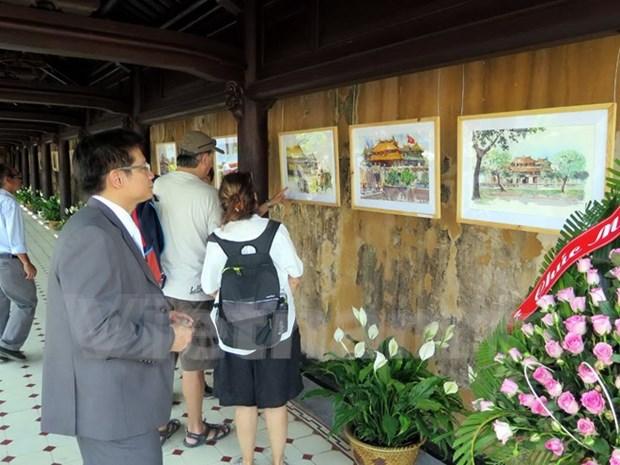 Exposicion de acuarelas enaltece belleza de ciudad imperial vietnamita hinh anh 1