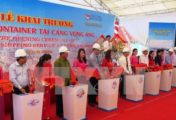 Inauguran ruta de transporte de contenedores en puerto de Vietnam hinh anh 1