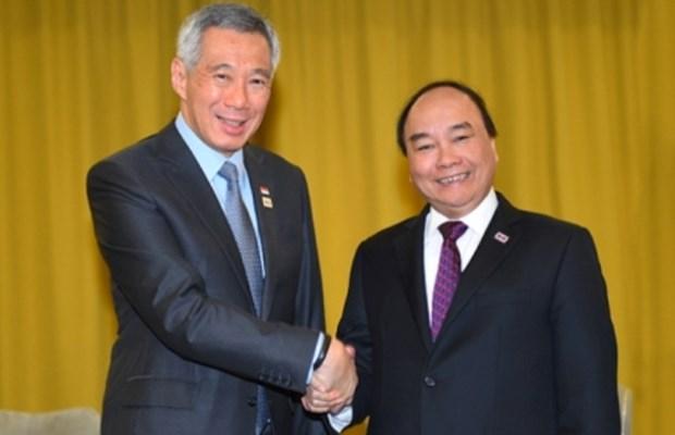 Premier vietnamita dialoga con lideres de ASEAN en Sochi hinh anh 1