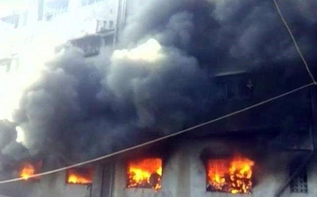 Tailandia: Al menos 17 alumnas fallecen en incendio en dormitorio escolar hinh anh 1