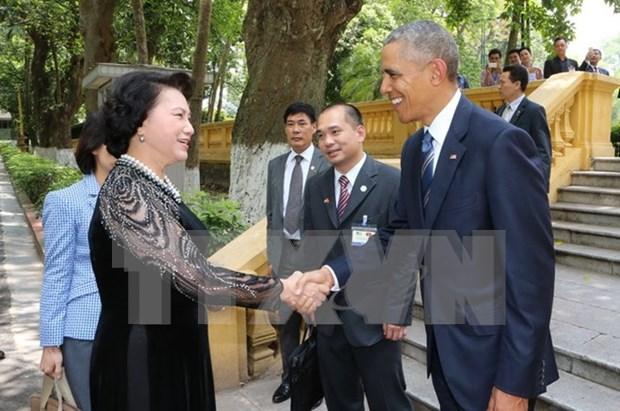 Lider parlamentaria vietnamita se reune con presidente estadounidense hinh anh 1
