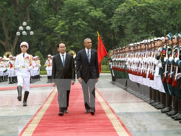 Presidente vietnamita recibe a Barack Obama en Hanoi hinh anh 1
