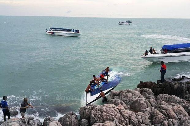 Tailandia: Tres muertos al volcar un barco de alta velocidad hinh anh 1