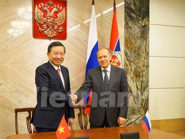Vietnam y Rusia robustecen cooperacion en seguridad hinh anh 1