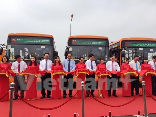 Inauguran nueva ruta de autobus al aeropuerto internacional de Noi Bai hinh anh 1
