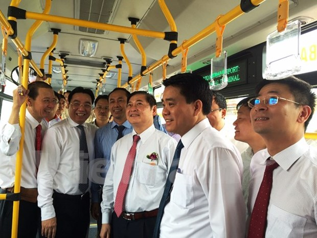Inauguran nueva ruta de autobus al aeropuerto internacional de Noi Bai hinh anh 2