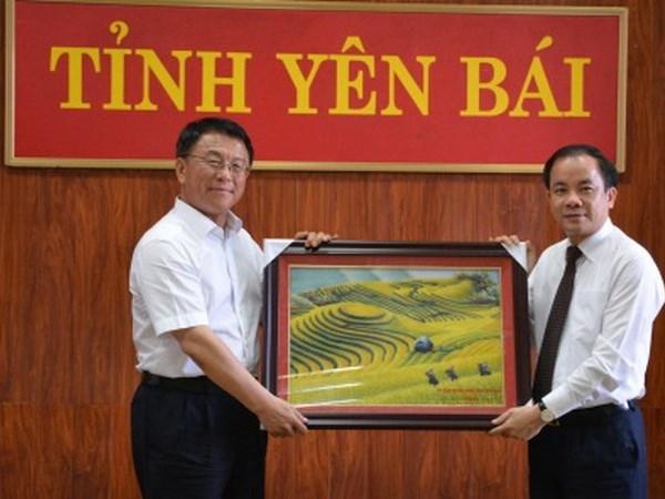 Delegacion de Comision china de Asuntos Etnicos visita provincia norvietnamita hinh anh 1
