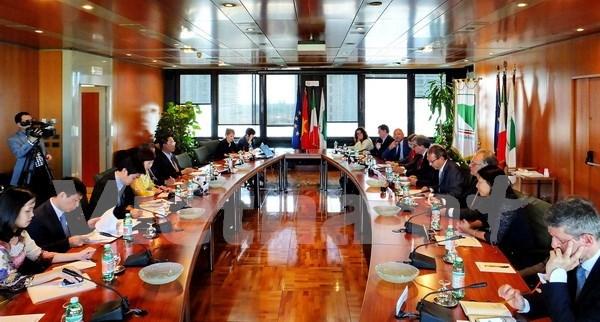 Impulsan cooperacion comercial entre Vietnam y region italiana Emilia Romana hinh anh 1