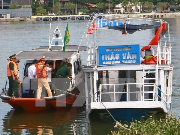 Conceden indemnizaciones por adelantado a familias de fallecidos en naufragio hinh anh 1
