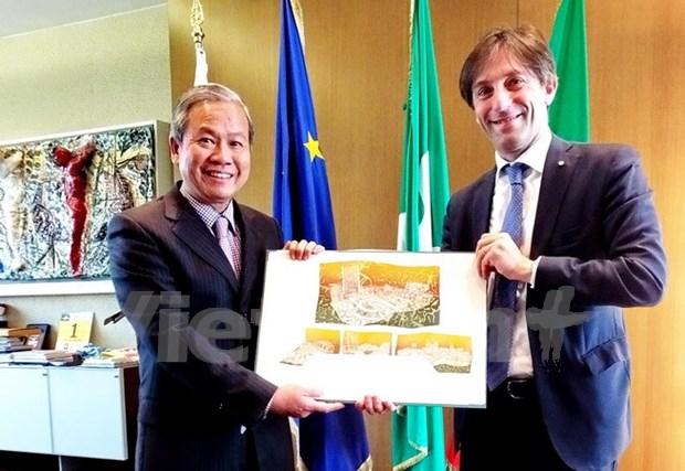 Promueven cooperacion entre Vietnam y region italiana de Lombardia hinh anh 1