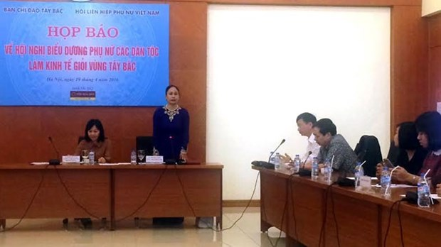 Honran contribuciones de mujeres en desarrollo economico de region noroeste hinh anh 1