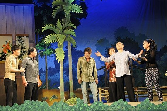 Nuevos esfuerzos para preservar arte teatral vietnamita hinh anh 1