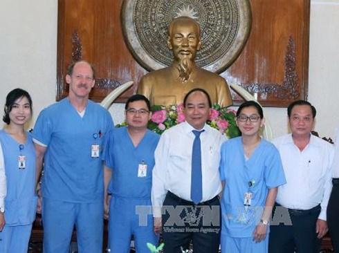 Premier vietnamita aprecia programa caritativo de la Universidad estadounidense hinh anh 1