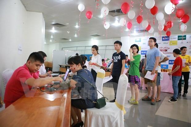 Hanoi honra a donantes de sangre ejemplares en 2016 hinh anh 1