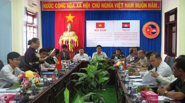 Provincias vietnamita y camboyana construyen frontera comun de amistad hinh anh 1