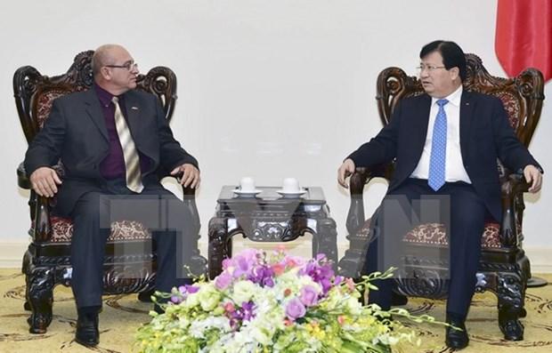 Dispuesto Vietnam a respaldar inversiones cubanas en transporte y construccion hinh anh 1