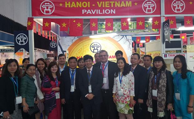 Vietnam participa en mayor Feria comercial de Sudafrica SAITEX 2016 hinh anh 1