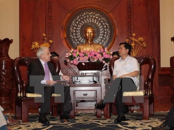 Ciudad Ho Chi Minh confirma el apoyo continuo para inversores hinh anh 1