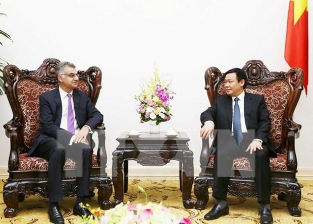 Vicepremier vietnamita recibe al director general de Standard Chartered Vietnam hinh anh 1