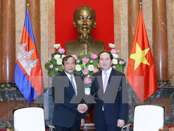 Presidente vietnamita resalta relaciones tradicionales con Camboya hinh anh 1