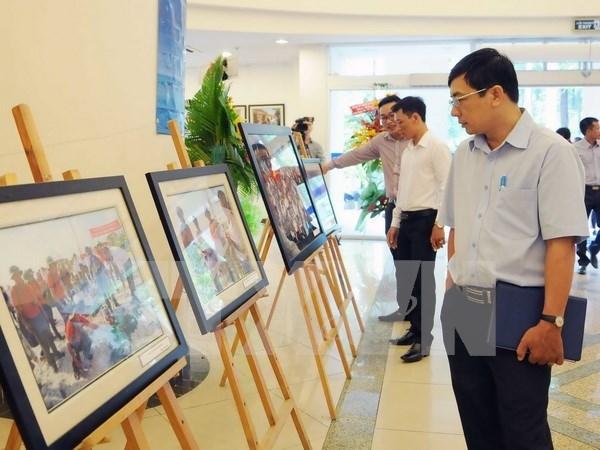 VNA exhibe fotos sobre el archipielago nacional de Truong Sa hinh anh 1