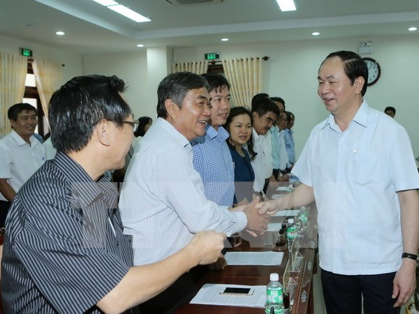 Presidente de Vietnam exhorta a Phu Yen a impulsar avance industrial hinh anh 1